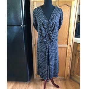 Adrianna Papell Black and White Dress Size 3X